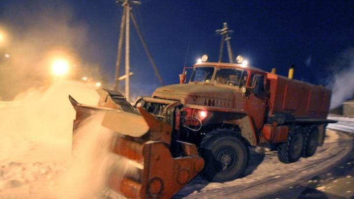После метели омские дорожники отправились спасать частный сектор от подтопления