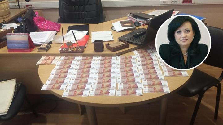 В Таганроге будут судить чиновницу городской администрации за взятку