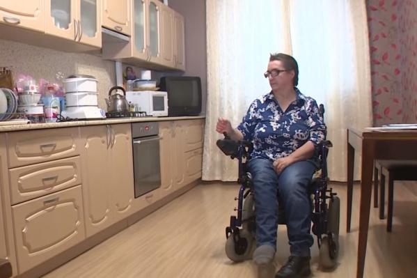 Колясочница Тамара 9 лет была узницей своей квартиры