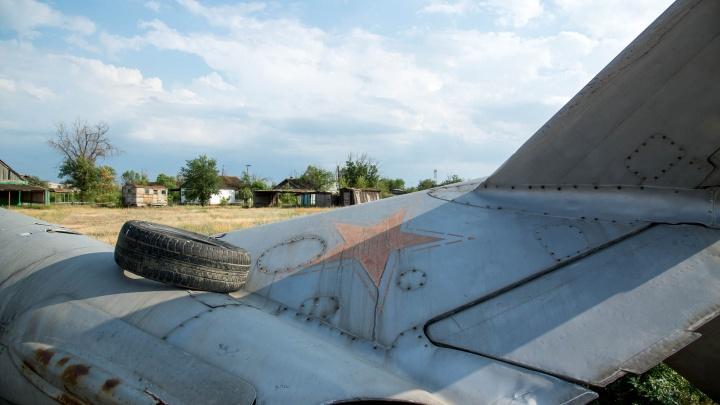 «Кладбище уничтоженной Качи»: под Волгоградом по крупицам восстанавливают старые самолёты