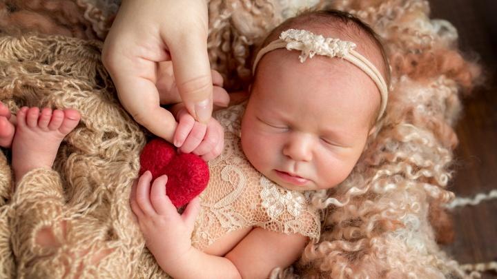 Малыши в первые месяцы жизни: 30 кадров, от которых замирает сердце
