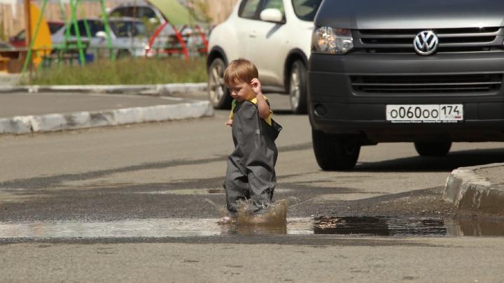 Левые стоянки, ларьки, лужи и дороги в никуда: мэр Челябинска убедилась в бардаке на Северо-Западе
