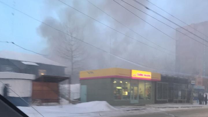 На рынке в Ветлужанке вспыхнул пожар