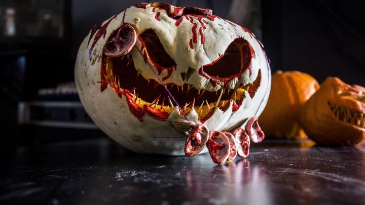 Бар разрешил посетителям украсить помещение к Хеллоуину. А получился тыкво-баттл