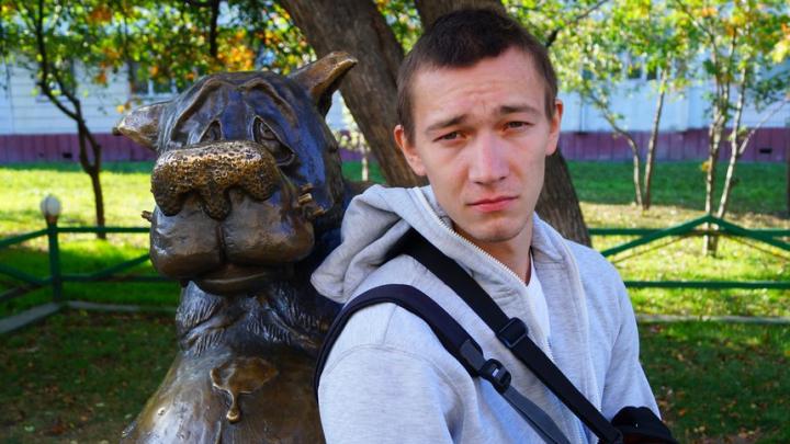 Новосибирец начал изучать метеорит и получил премию