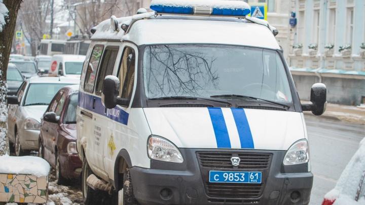 Вооруженные грабители с петардами напали на ювелирный магазин в Гуково