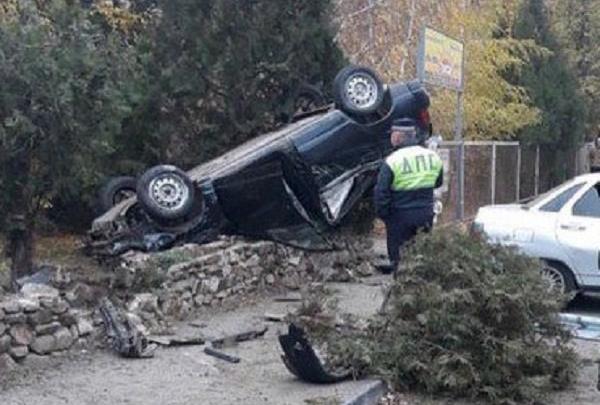 Пьяная авария: в Азове водитель попал в ДТП, скрываясь от полиции