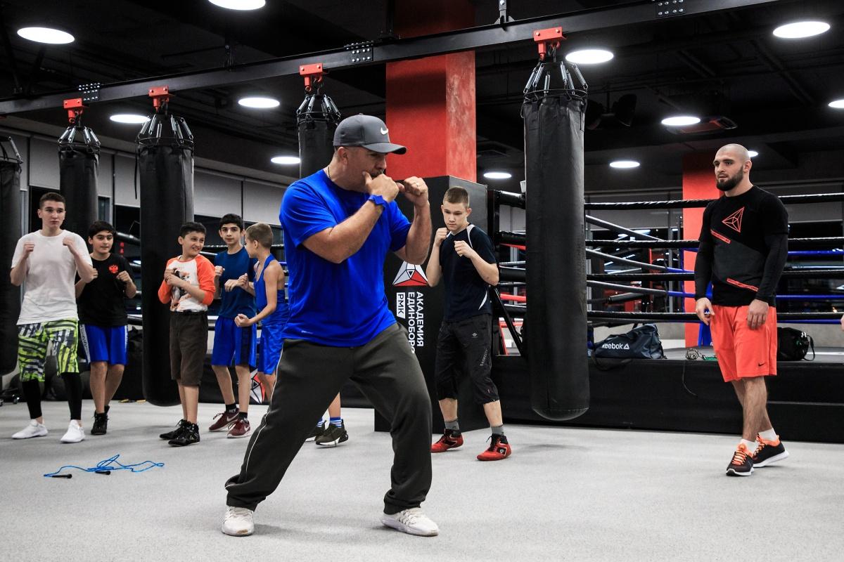 «Чемпион должен быть голодным»: тренер по боксу Джоэль Диаз провёл мастер-класс в Екатеринбурге