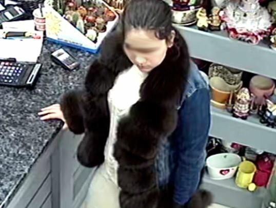 «Если её увидите, звоните в полицию»: владельцы магазинов заявили о покупателях с фальшивками