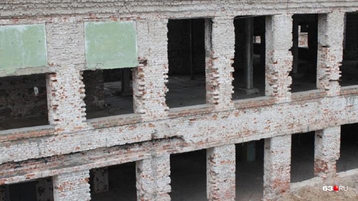 Вечеринки 90-х испортили облик здания: власти заказали новый проект реставрации Фабрики-кухни