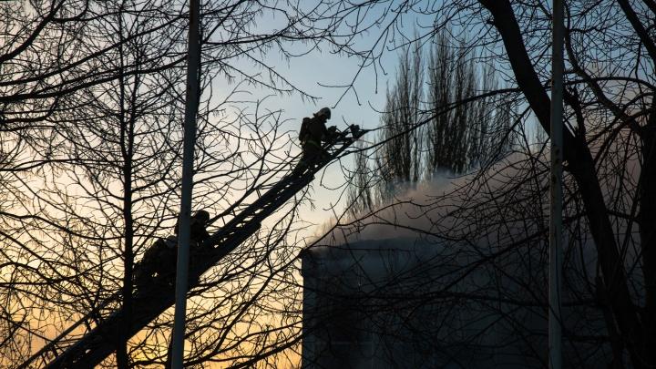 Во время пожара в доме на улице Николая Панова погиб мужчина