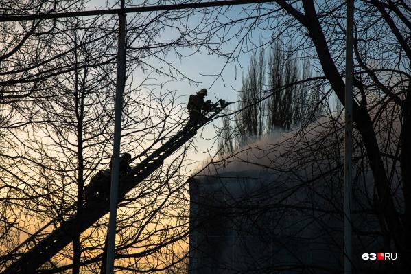 Пожарные быстро потушили возгорание, но хозяина квартиры не спасли