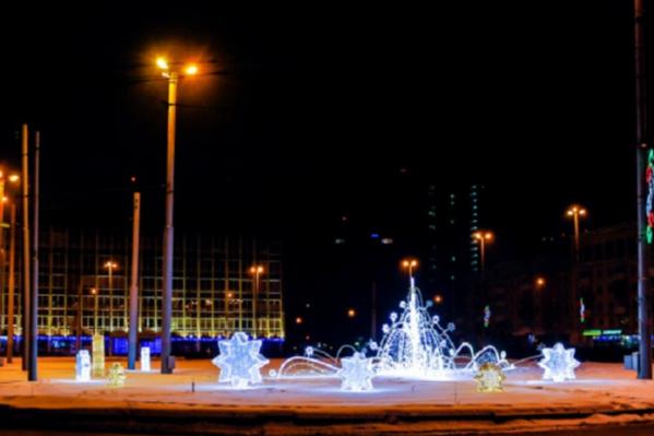 Светодиодный фонтанна площади Карла Маркса