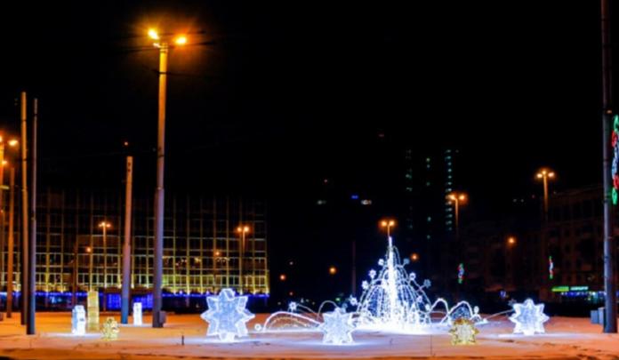 «Медведи на льдине» и светодиодный фонтан: Пермь начали украшать к Новому году