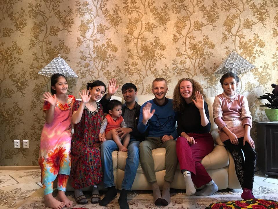 Акрам и его семья из Душанбе