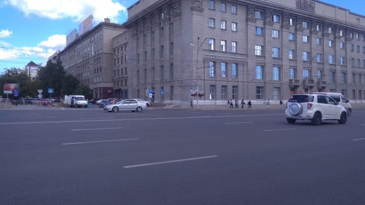 Со здания мэрии пропали электронные часы