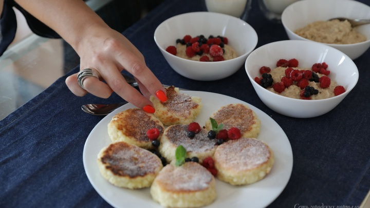 Еда за три рубля: готовим пасту, куриные рулеты и сырники как у бабушки