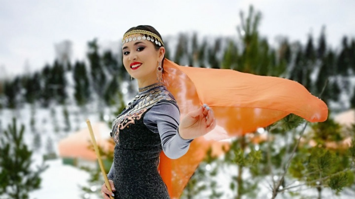 «Настоящая дотракийка» из Башкирии сыграла мелодию из «Игры престолов» на курае