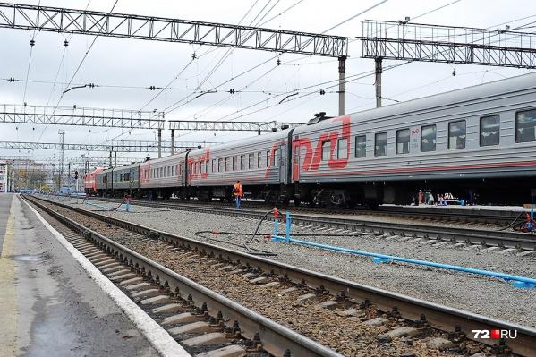 Трагедия произошла около Пермяковского моста на железнодорожных путях. Следователи выясняют обстоятельства гибели