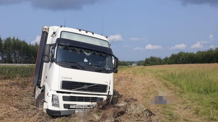 В Башкирии дальнобойщик скончался за рулем от сердечного приступа
