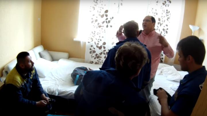 Он кричал и звал на помощь: на ВИЗе футбольный фанат-клаустрофоб из США оказался заперт в квартире