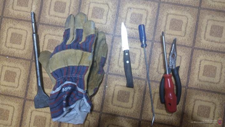 Волгоградец украл из магазина три шубы на 300 тысяч рублей