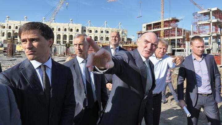 «Запашок стоит»: Дубровский поручил решить вопрос с канализацией на стройке конгресс-холла