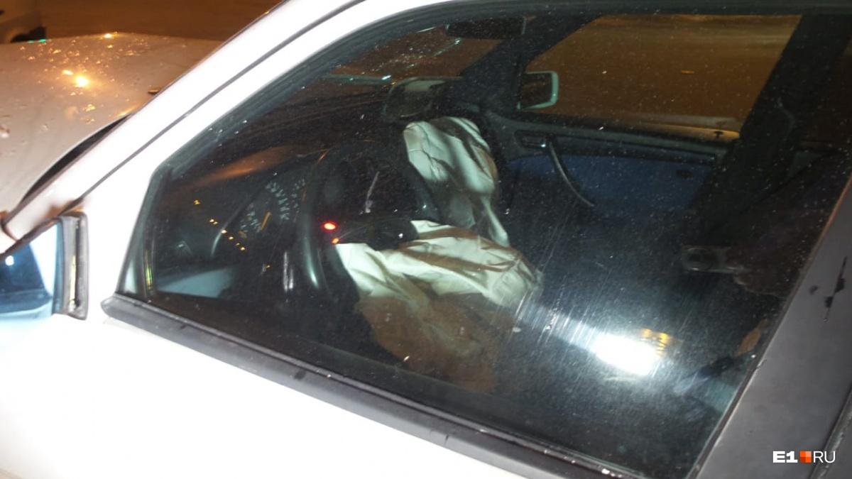 В иномарке сработали подушки безопасности