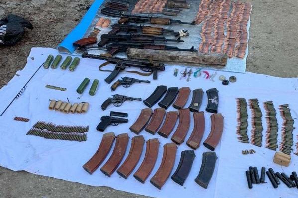 Оружие и боеприпасы отправили на экспертизу
