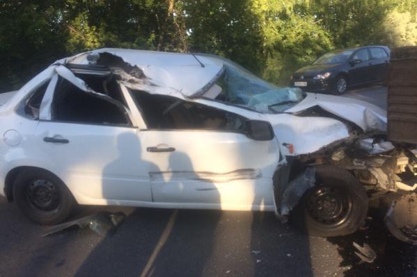 От удара у авто прогнулась крыша