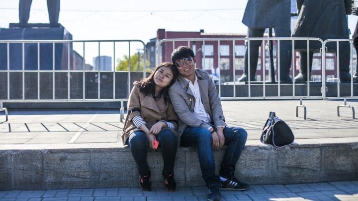 В Новосибирск хлынули туристы из Китая