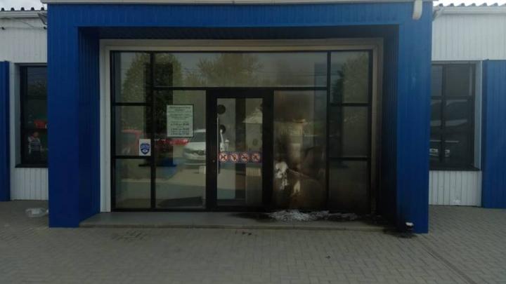 В Азове неизвестные подожгли медицинский центр