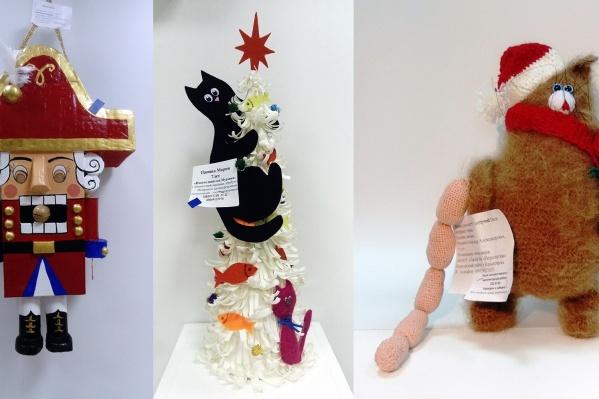 Посередине — лучшая композиция, а по бокам — победители в номинации «Лучшая игрушка» (5–7 лет и 8–11 лет соответственно)