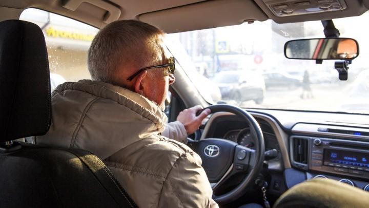 «Зачем эта пошлая музыка?» Что больше всего бесит пассажиров в такси: список