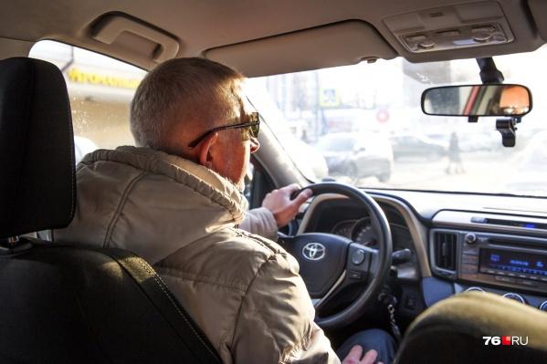 У таксистов и пассажиров масса взаимных претензий друг к другу