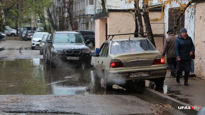 Парковочное пространство ждите через год: власти рассказали, когда и как разрулят коллапс в Уфе