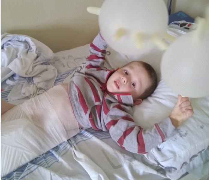 После произошедшего раненый малыш плохо спал и много плакал