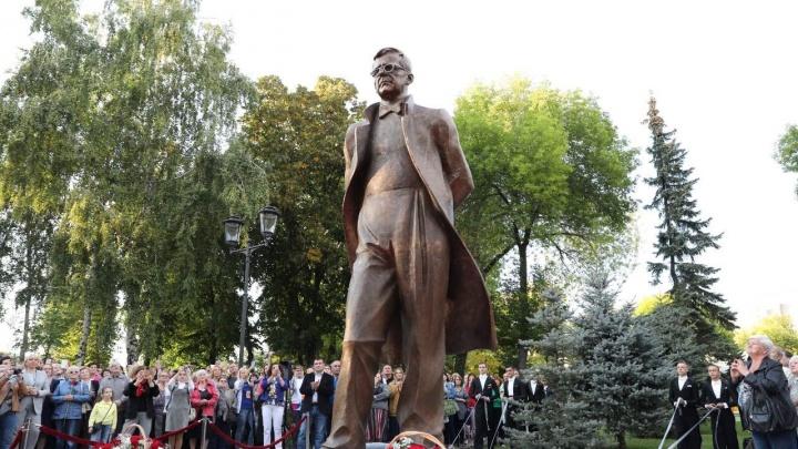 Человек-эпоха: в Самаре открыли памятник Дмитрию Шостаковичу