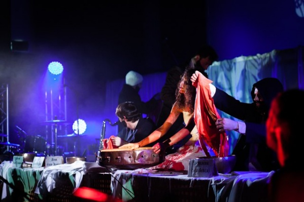 «Театро ди Капуа» из Санкт-Петербурга приедут в Архангельск в четвертый раз — привезут свою панк-оперу «Медея»<br>