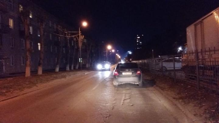 «Форд-Фокус» сбил 10-летнюю девочку на улице Римского-Корсакова