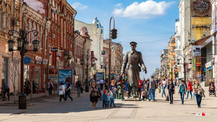 Как новый: в Самаре починили скульптуру «Дядя Степа»
