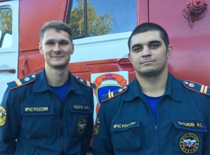 «Выносили на руках»: в Перми пожарные спасли ребенка и трех женщин