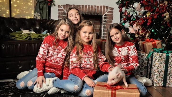 «Подарить хорошее настроение»: школьницы из Новосибирска выпустили новогодний клип-поздравление