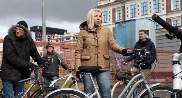 «Столб, лестница, лужа, киоск»: общественники пересчитали препятствия на велодорожках Екатеринбурга