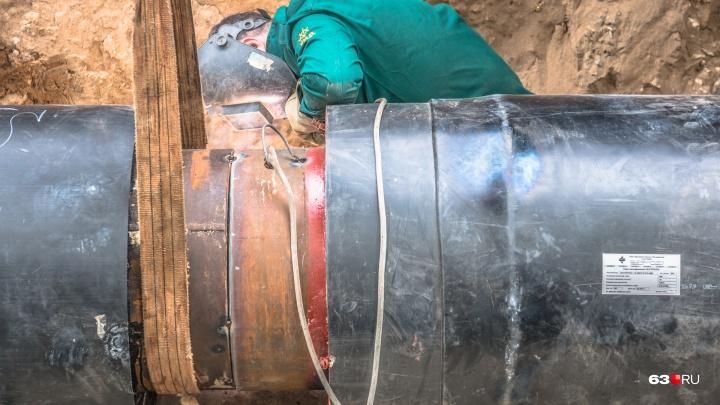 Заменили чугунную трубу: в жилые дома на Авроре возвращают холодную воду