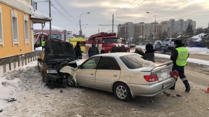 В лобовом столкновении на Орджоникидзе пострадал 9-летний ребёнок