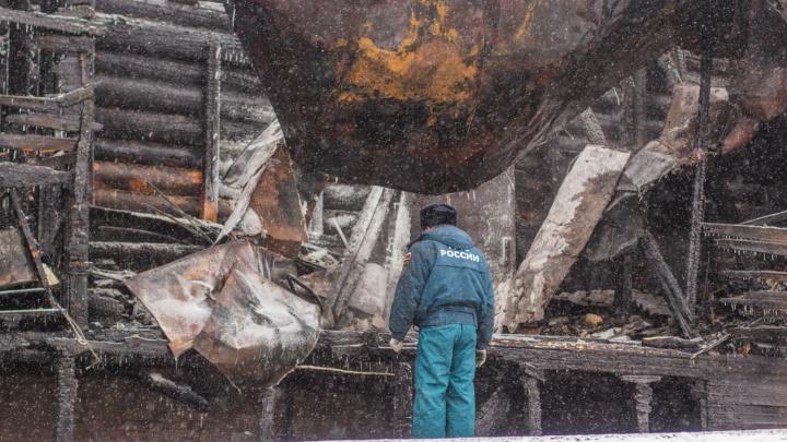 В ночном пожаре в Самарской области погибли две девочки