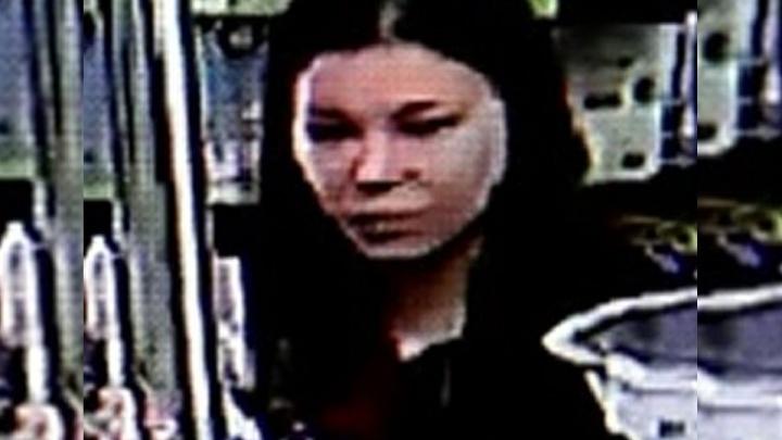 В Екатеринбурге разыскивают женщину, подозреваемую в убийстве пенсионерки: видео
