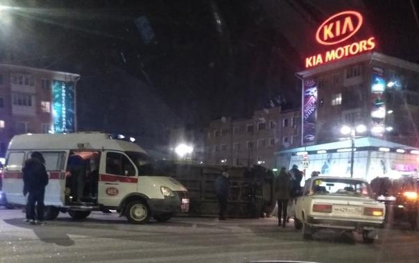 Фельдшер, пострадавший в ночном ДТП у Ленинградского моста, пришёл в сознание