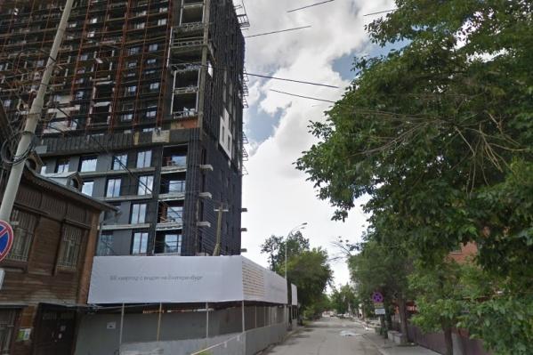 Улицы благоустраивают вокруг стройки ЖК «Кандинский» от «Брусники»
